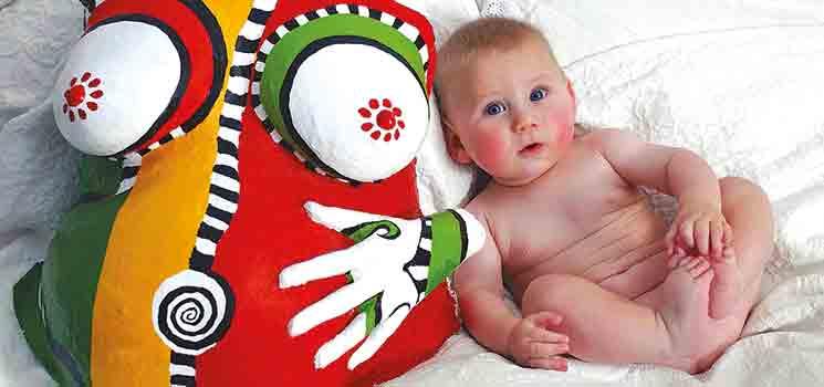 babybauch bemalen erinnerung an den babybauch kidsgo. Black Bedroom Furniture Sets. Home Design Ideas